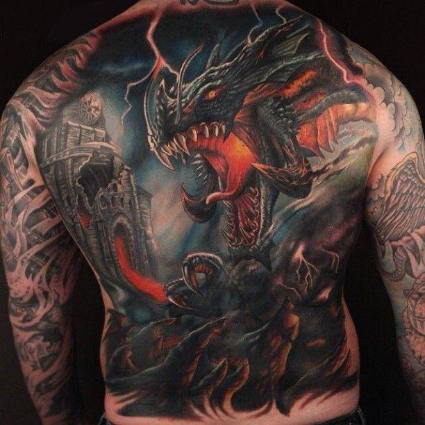 feuer drachen tattoo auf r cken tattoo dragon tattoos. Black Bedroom Furniture Sets. Home Design Ideas