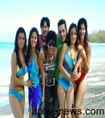 Aa-roju em jarigindi movie stills