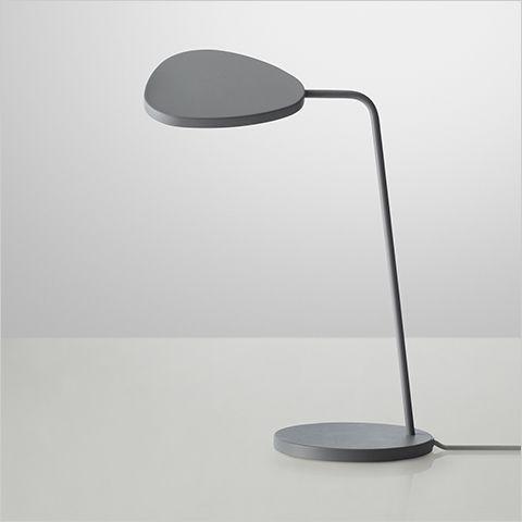 Muuto leaf table lampe, desktop lamp, work light, bord lampe, skrivebordslampe, arbejdslampe, designer lamp, designer lampe.