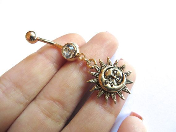 Celeste dorata luna e sole ombelico anello di Azeetadesigns