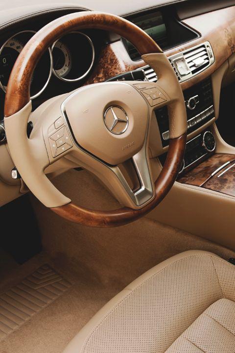 Que te parece el Interior de este Mercedes?
