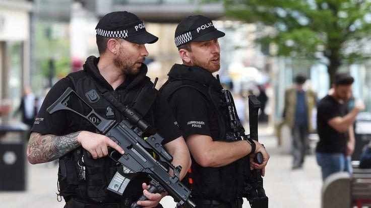 """""""Hálózatot"""" sejt a brit rendőrség a merénylő mögött, rendőr az áldozatok között - https://www.hirmagazin.eu/halozatot-sejt-a-brit-rendorseg-a-merenylo-mogott-rendor-az-aldozatok-kozott"""