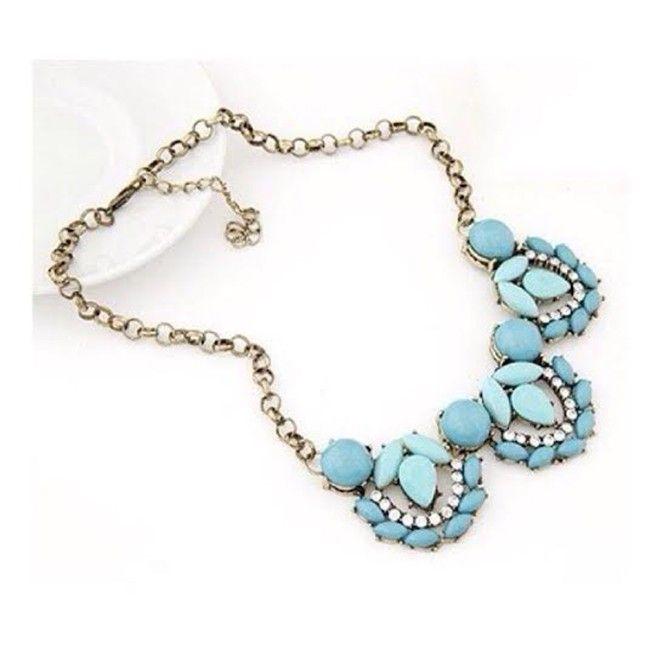 Stunning Sky Blue Flower Choker Necklace Set