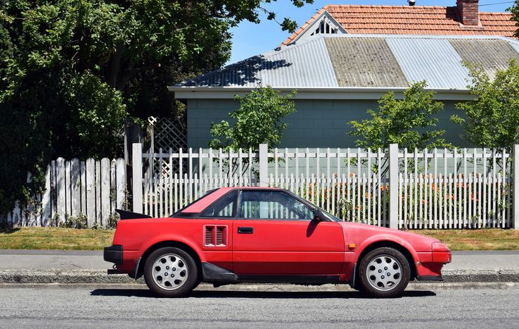 https://flic.kr/p/HcYYE6 | 1985 Toyota MR2 | The Cars of Christchurch, New Zealand