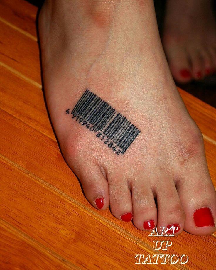 直線がいっぱい(><) バーコードのタトゥー  #tattoo #tattoos #tattooart #tattooist #tattooshop #art #bodyart #ink #barcode #number #タトゥー#タトゥースタジオ#インク#アート#ボディアート#アートアップタトゥー#バーコード#数字#足の甲タトゥー#文字#フォント#東京タトゥー#日野タトゥー#祐#女性#女性彫師