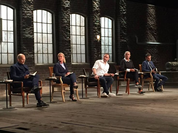 #DragonsDen danish show is on fire! So many great hosts like @jesperbuch @ahlers2479 and @ilsejacobsen. Can you spot something familiar? #BirgitAaby is rocking a #roccamore pair. Juhuu! ♥