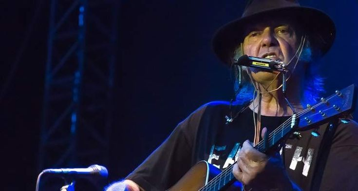 Neil Young Is Releasing His Entire Catalog for Free #free_bitcoins  http://ift.tt/2zLO12L - via http://cmun.it/get-contentpic.twitter.com/uC7AXo9Oy6