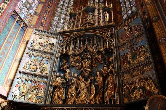 Top 10 Famous Pieces of Art Stolen by the Nazis 5. Altarpiece of Veit Stoss  Sculptor: Veit Stoss