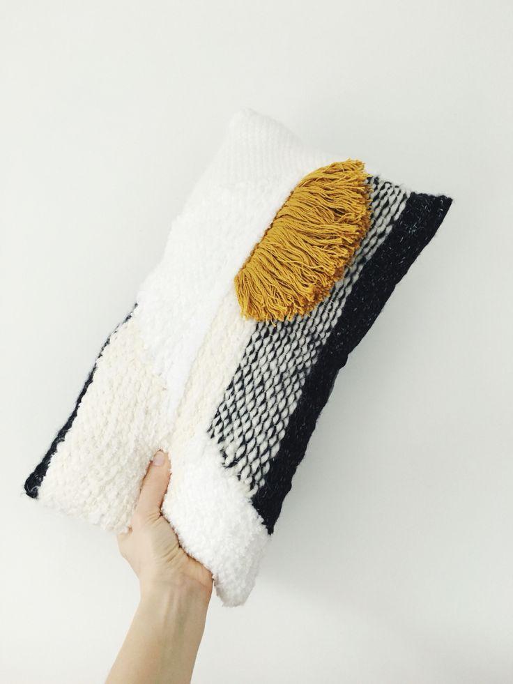 Weaving, tissage by Julie Robert