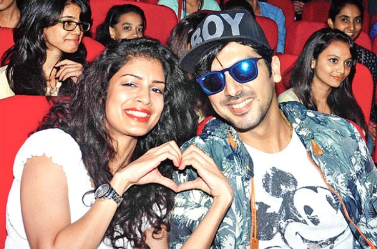 """Bollywood producer and actor Zayed Khan and Tena Desai have done some bold scenes in """"Sharafat Gayi Tel Lene"""". Zayed Khan has purportedly lost ten kilos to accomplish a lean look in Sharafat Gayi Tel Lene of director Gurmmeet Singh."""