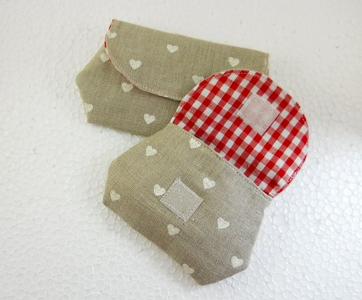pretty pouch and pretty easy to sew, too!