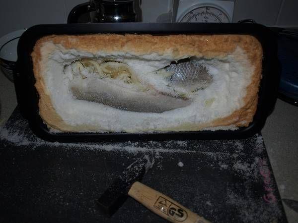 Reken er wel op dat je na de bereiding, als de vis uit de oven komt, je mogelijk nog even bezig bent de vis(sen) uit het zout te bevrijden.