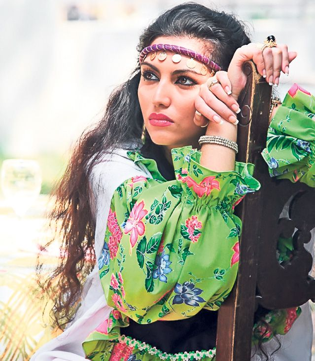 Inima de tigan Minodora Potcovaru. Beautiful romanian actress Doinita Oancea.