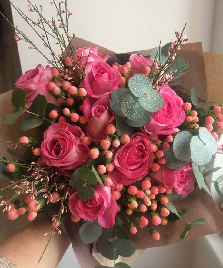 Roses and hypericum bouquet by ROSMARINO / Růže a růžová třezalka