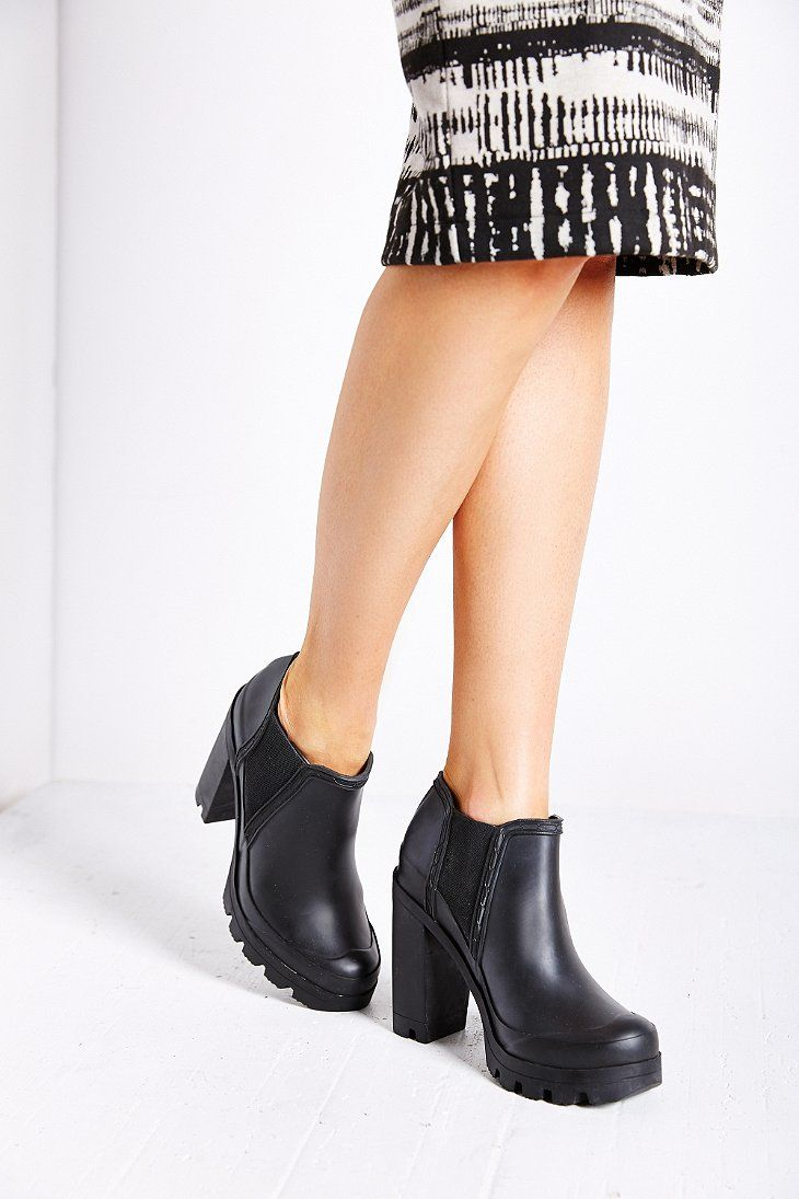 hunter-black-original-high-heel-ankle-boot-product-5-882742635-normal.jpeg 730×1,095 pixels