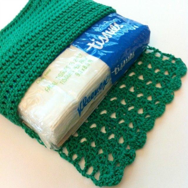 Green Crochet Tissue Holder Pattern ♡ Teresa Restegui http://www.pinterest.com/teretegui/ ♡
