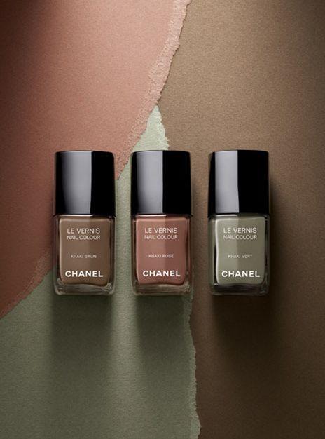 Vernis à ongles Khaki Vert de Chanel