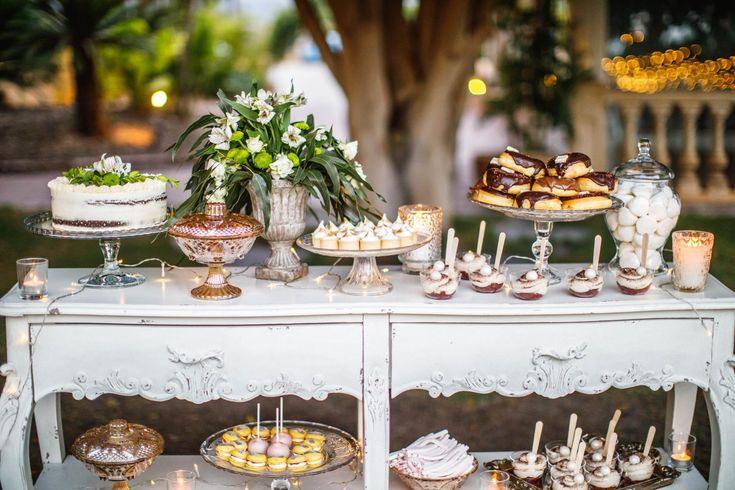 wedding decor, planner, organizacion eventos, inspiracion boda, candytable, caperucita cupcakes, tarta nupcial, dulces, tartas | Photo by Luciano Menardo