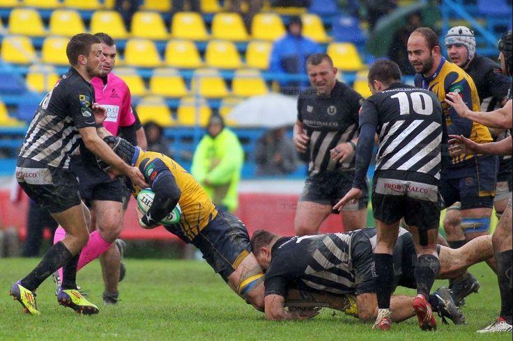 Ploaie cu eseuri pe stadionul din Ronat. RCM Timisoara – U Cluj: 33 – 11