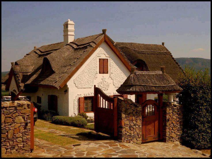 Szent György- hegyi présház (tervező: Mérmű Stúdió) (press house/cottage in a vineyard in Hungary)