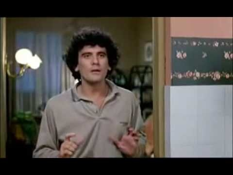 Italianos: Massimo Troisi - Ricomincio da tre (1981) ¿Como lo llamamos? Massimiliano. Mejor Ugo, si no crece maleducado