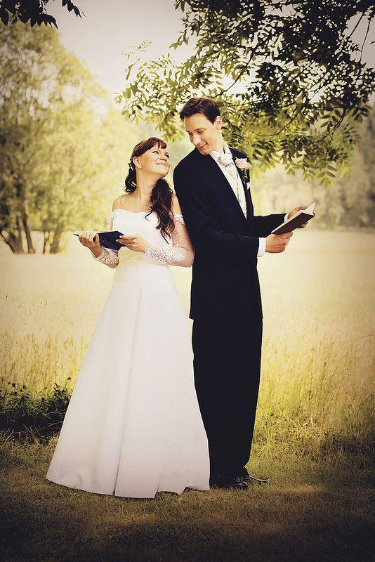 Hääkuvaus, Vanhalinna Lieto, Liedon Kuvaus / Turku, Lieto #hääkuvaus #hääkuvaaja #Turku #Lieto #valokuvaamo #wedding #photographer #häät www.liedonkuvaus.fi www.facebook.com/liedonkuvaus