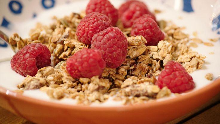 Granola met frambozen en yoghurt