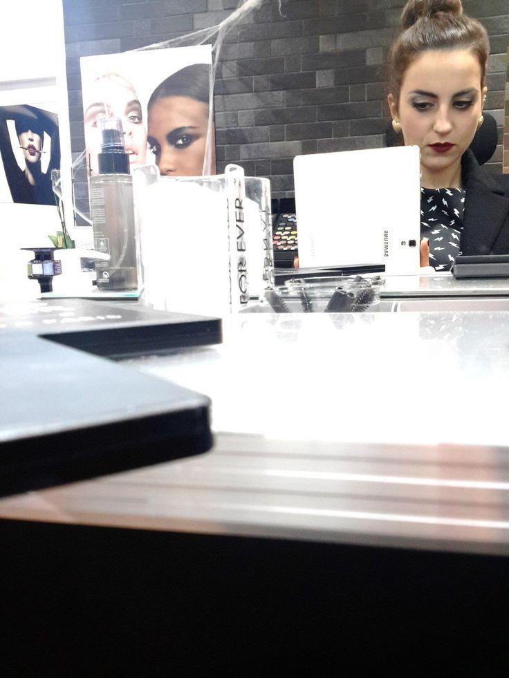 Afine estateho partecipato all'evento di opening della Truccheria La Boutique - Make Up For Ever a San Benedetto del Tronto.Speciale perché è la prima Boutique dedicata al trucco professionale c...