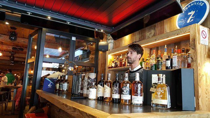 Masterclass A La Baraque Grand Merci Aux Fantastiques Maisons Dugas Ron Botran Anejo Etteeling Whiskey Pour Leurs Spiritueux D Val D Isere Spiritueux Maison