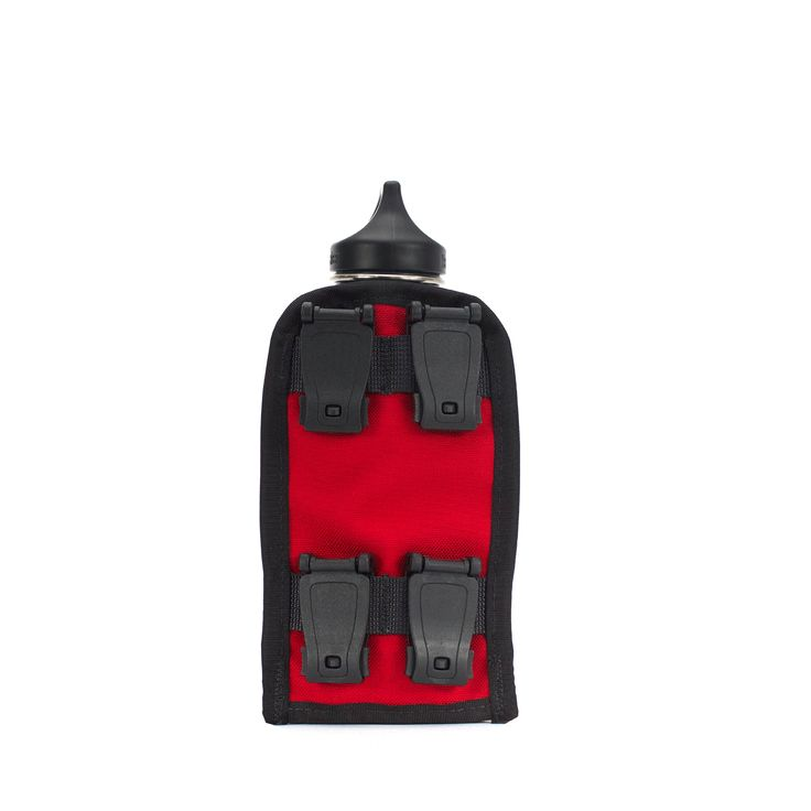 The  four molle clips makes the Caddy Mini drink bottle holder easy to add to any PAK30 or COMPAK.