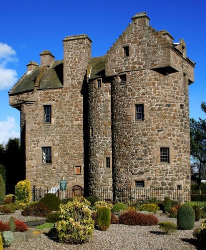 Claypotts Castle ~ Dundee, City of Dundee, Scotland