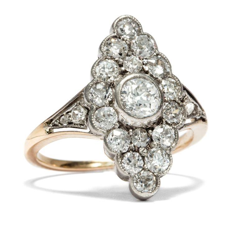 """Schiffchen """"Ahoi!"""" - Strahlender Schiffchen-Ring mit 0,66 ct Altschliff-Diamanten, um 1910 von Hofer Antikschmuck aus Berlin // #hoferantikschmuck #antik #schmuck #antique #jewellery #jewelry // www.hofer-antikschmuck.de"""