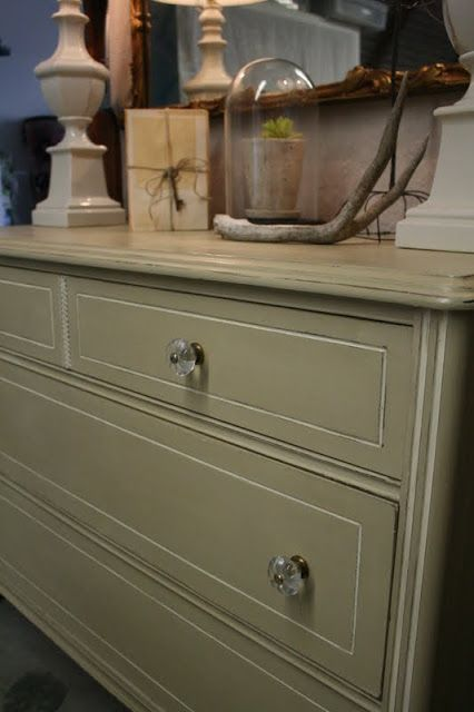 Vintage Dresser Facelift - tutorial shows how to repair veneer, then how to prepare the piece for painting with chalk paint.