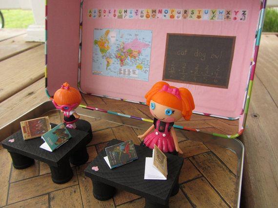 Mini Lalaloopsy school house dollhouse