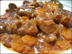 El estofado de ternera, es un plato tradicional que cada familia prepara con los truquillos de su receta pero siempre resulta rico, sencillo y muy sabroso, es fácil y sencillo de cocinar. Con es…