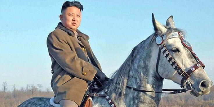Βόρεια Κορέα: Όποιος δεν υποκλίνεται στο άγαλμα του Κιμ Γιονγκ Ουν... εκτελείται