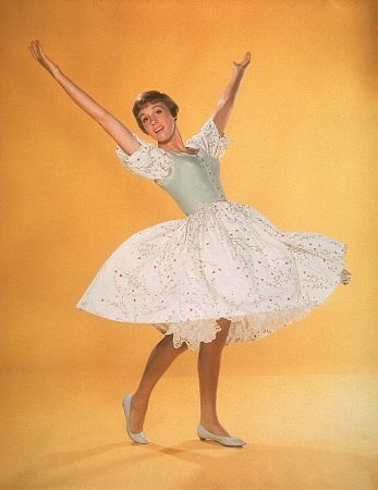 Pictures & Photos of Julie Andrews - IMDb