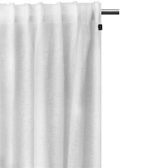 Skapa en elegant look i ditt hem med Dalsland gardin med veckband och kanal från svenska Himla. Gardinen är tillverkad i fin lin voile som är väldigt skirt och tunnt med bra ljusinsläpp. Matcha gardinen med andra smakfulla textilprodukter från Himla att inreda ditt hem med! Välj mellan olika färger.