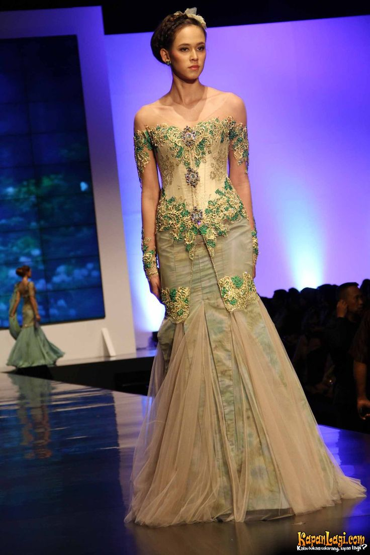Ferry Sunarto kebaya, The Fascinating Romance, IFW 2012, Plenary Hall Jakarta Convention Center- Indonesia