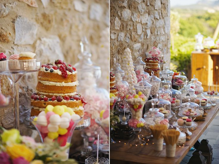 Crystal vases full of colourful sweets! Pick your favourite one... ;)