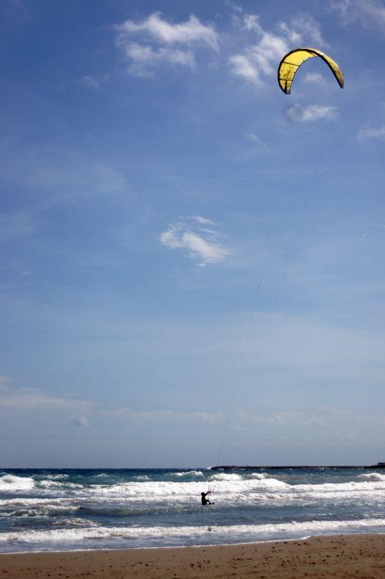 Kitesurfing in #Liguria (o alle Hawaii) #bagnivirginia #beach #loano #liguria #italia