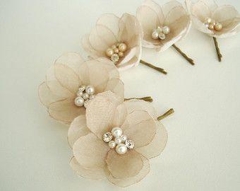 Perni di capelli di nozze di champagne fiore fiori nuziali dei capelli, nozze capelli pezzo, damigella d'onore Champagne capelli fiori, fiore clip di perle di cristallo