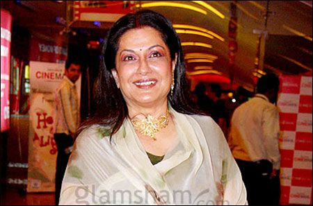 Wish Moushumi Chatterjee a very happy birthday!