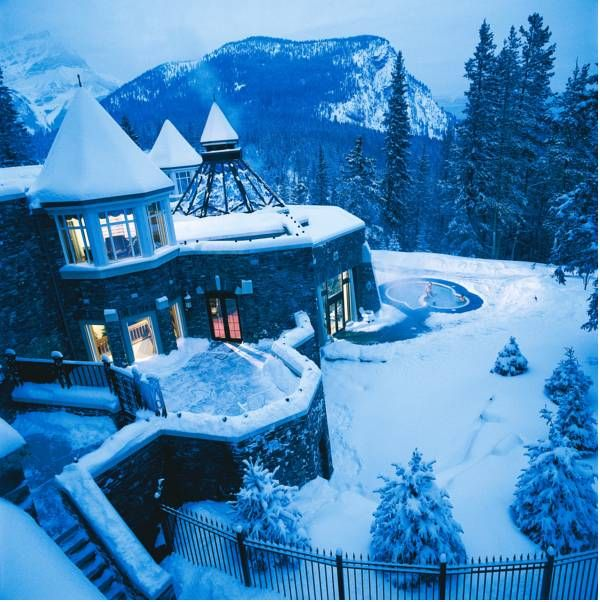 Fairmont Banff Springs Detailed Information - Banff Accommodations
