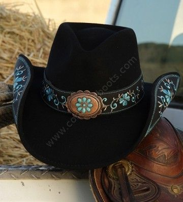 Corbeto's Boots | 50-SALLY Black | Sombrero cowboy Stars & Stripes fieltro negro decorado con bordados turquesa y ala moldeable | Stars & Stripes black woolfelt cowboy hat with shapeable brim, decorated with turquoise fine embroideries.