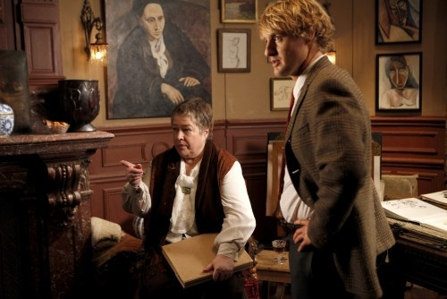 """Love Cathy Bates as Gertrude Stein with good reproductions of her portraits - from """"Midnight in Paris"""""""