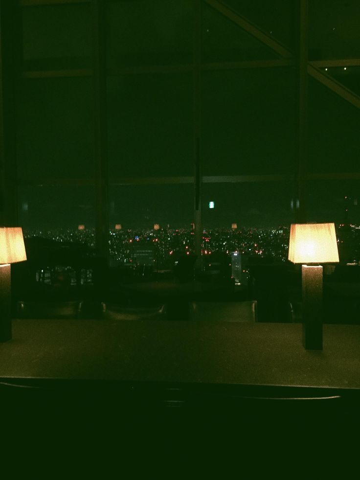 Tonight I had drinks at the Park Hyatt's New York Bar in Tokyo exactly where Bill Murray and Scarlett Johansson did in Lost in Translation http://ift.tt/2tOVQzI
