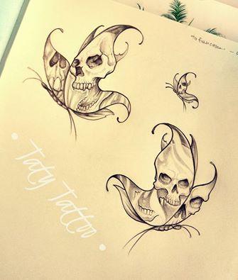 Schädelschmetterlinge, Skizze für Tätowierung gemacht von Taty Tattoo Schädelschmetterlinge, Skizze für Tätowierung, Schwarzweiss-Schwarzweiss-Schwarzarbeit