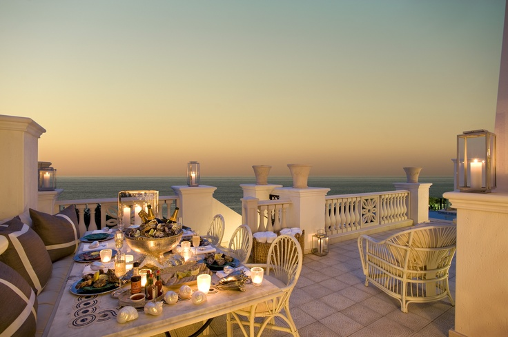 Fresh Seafood & Champagne at one of South Africa's finest beach hotels - The Oyster Box, KZN.