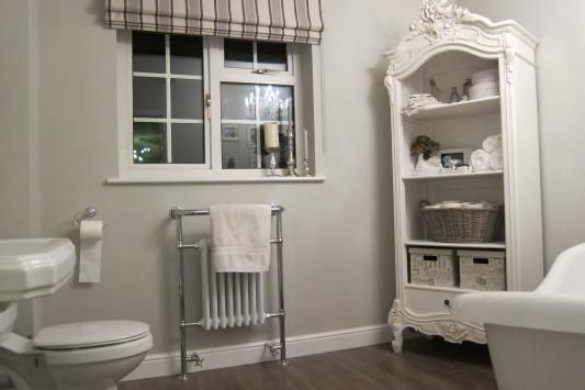 Farrow and Ball Cornforth white bathroom